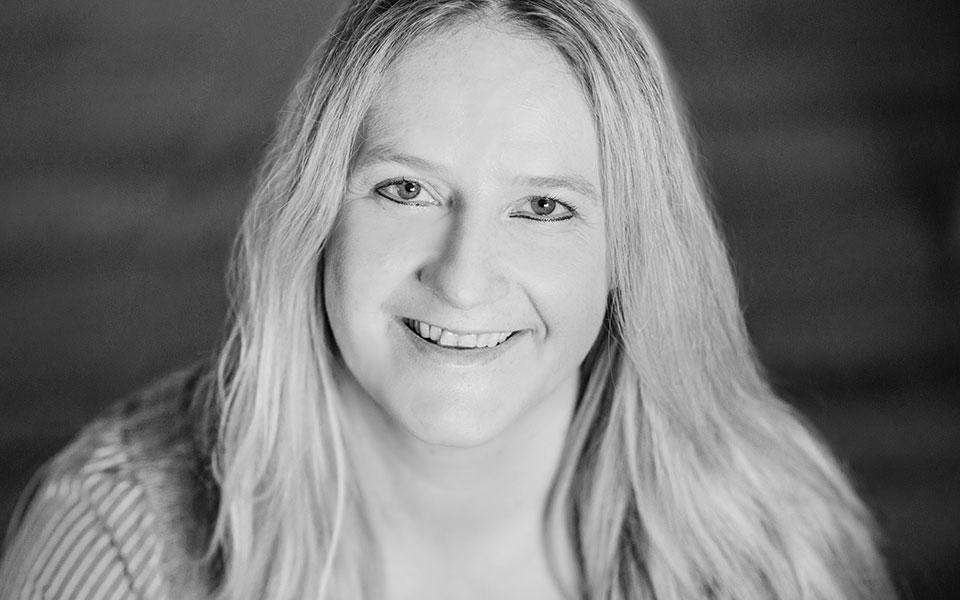 Journalistin Susanne Ebner unterstützt Unternehmen mit einer frischen Schreibe bei ihrer PR und ihrer Unternehmenskommunikation.