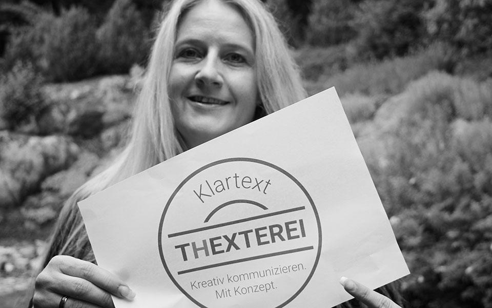 """""""Klartext. Kreativ kommunizieren. Mit Konzept"""", heißt das Motto von Journalistin und PR-Expertin Susanne Ebner vom Pressebüro Thexterei in Bischofsmais."""